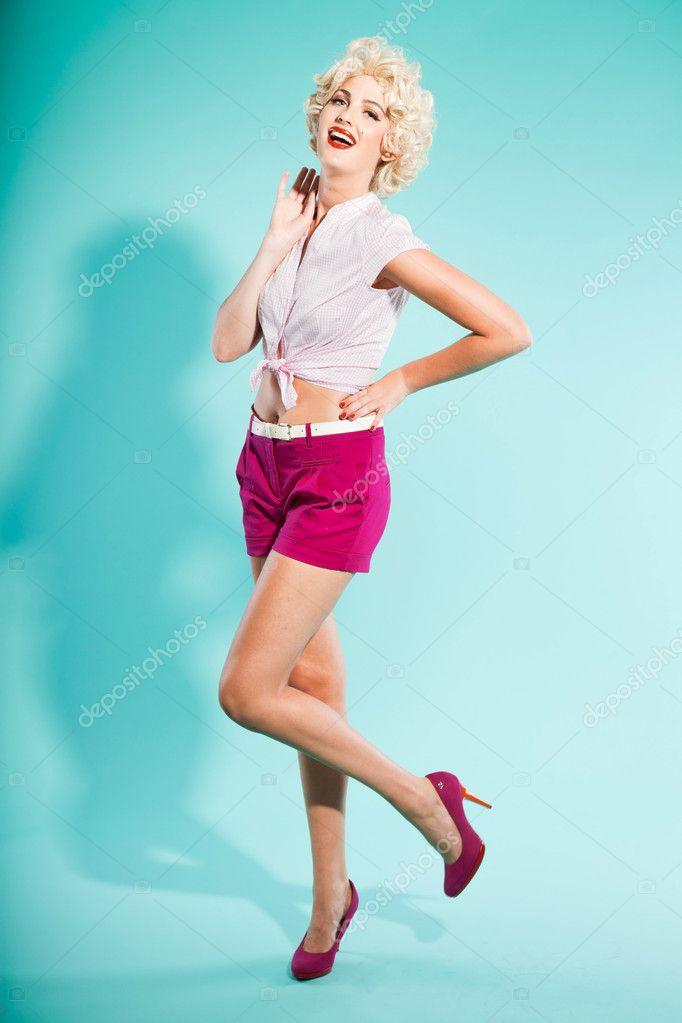 фото спортсменок блондинок в розовых шортах