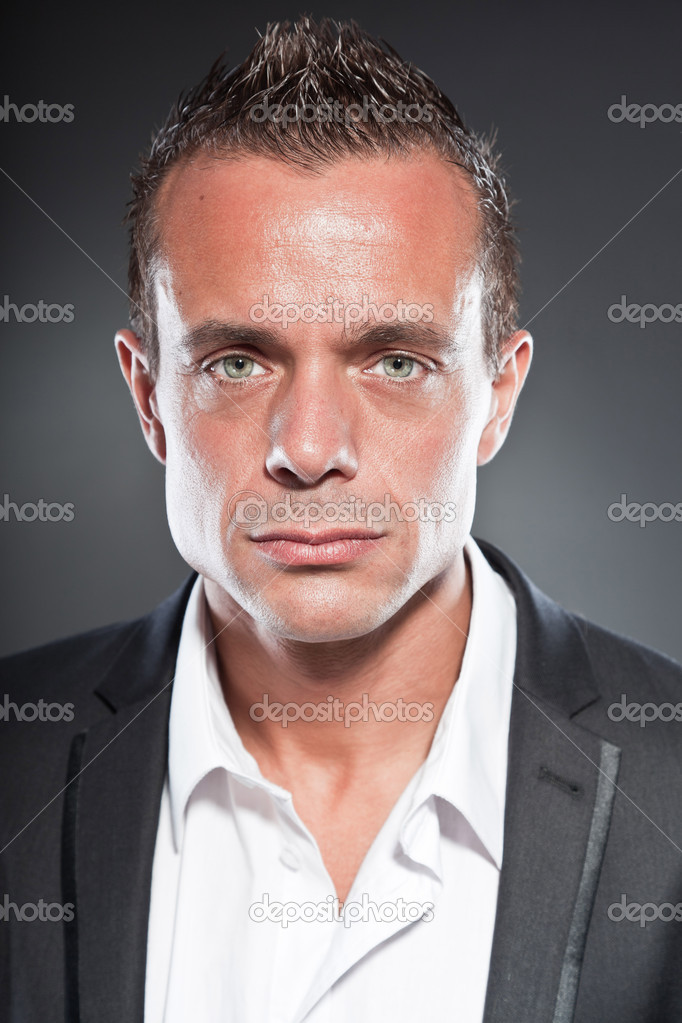 Gut Aussehende Business Mann Blaue Augen Und Kurzen Blonden Haare
