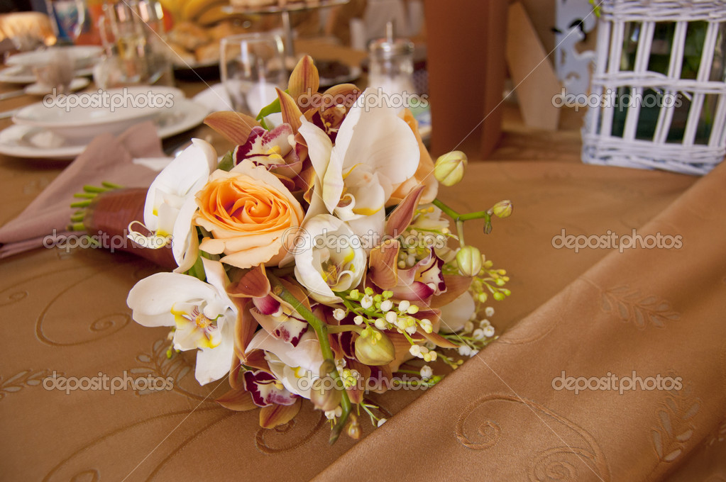 Bride And Groom Table With Brideu0027s Bouquet At Wedding Reception U2014 Stock  Photo