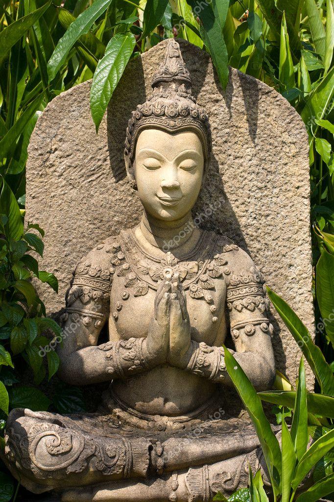 Estatua de buda en jard n stockfoto olegdoroshenko 11501366 - Estatuas de jardin ...