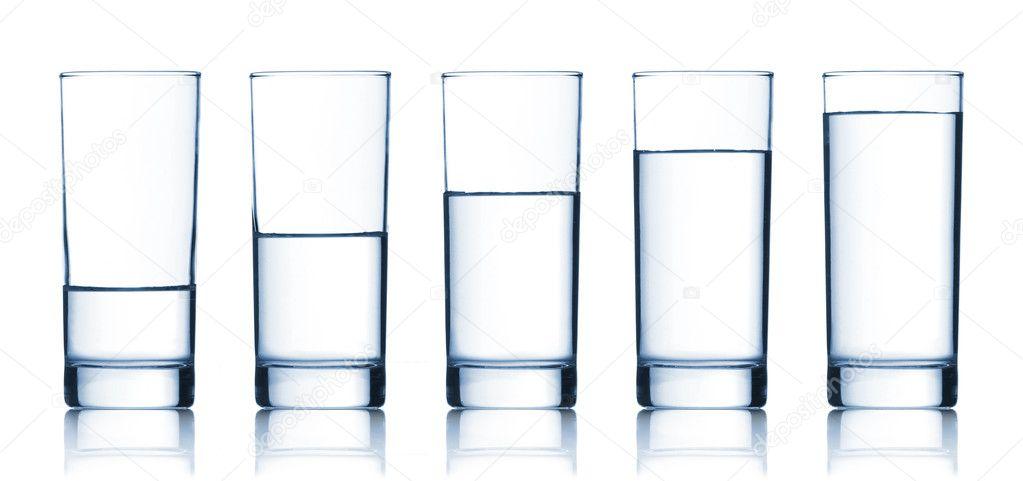 Juego De Vasos Llenos De Agua
