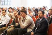 Na konferenci