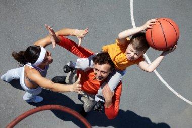 Family of basketball players