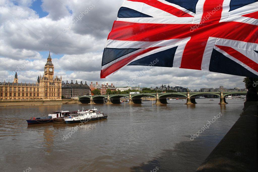 Big ben com bandeira da Inglaterra bedd8ca48002a