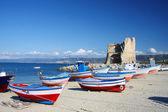 Fotografia belle colorate barche nel porto, briatico, calabria, Italia