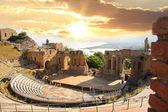 Photo Taormina theater in Sicily, Italy