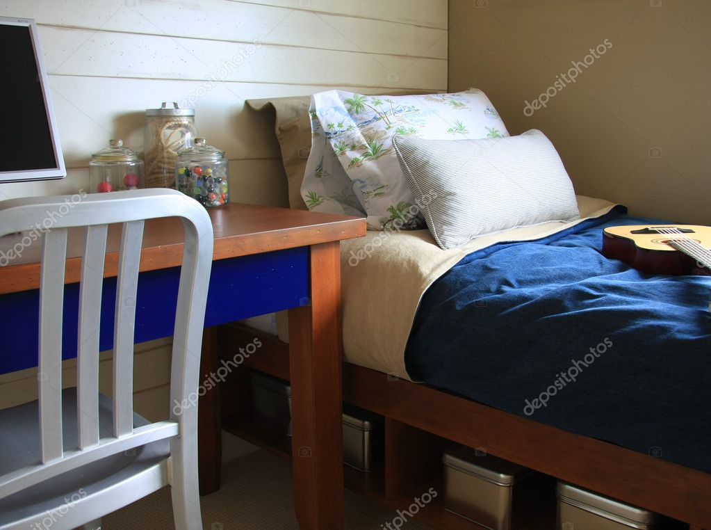 jongens slaapkamer stockfoto