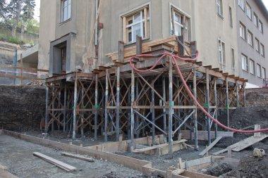 Rebuilding house foundation