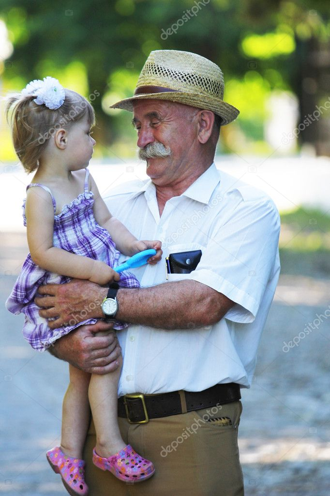 старик выибал внучку фото