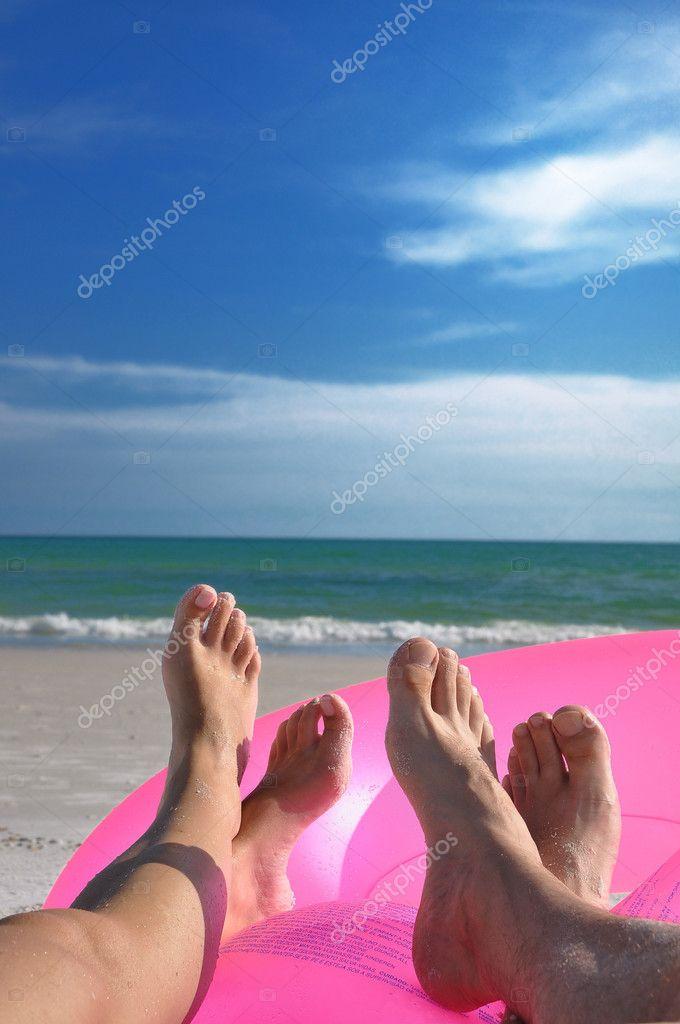 Ноги на пляжах фото