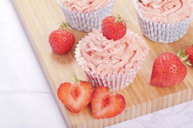 Strawberry cupcakes