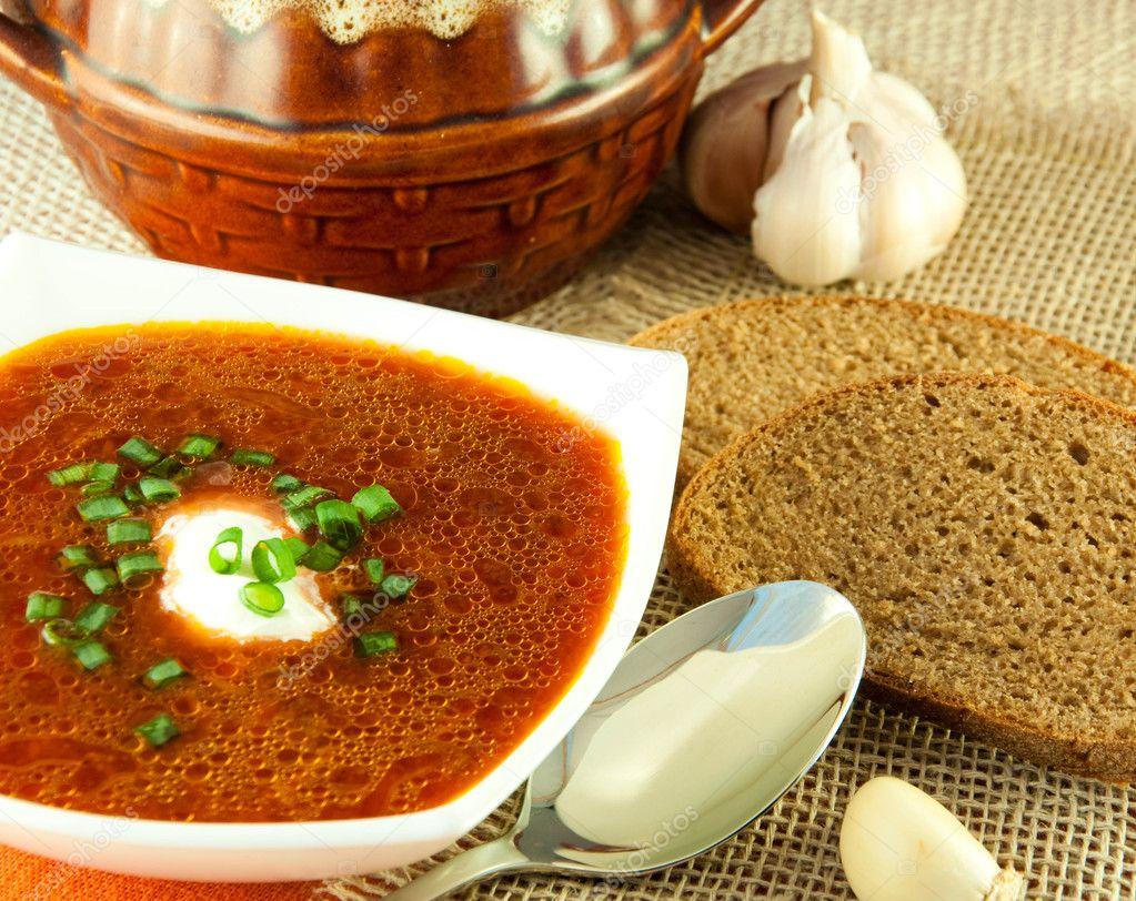 Kırmızı lahana lezzetli borsch