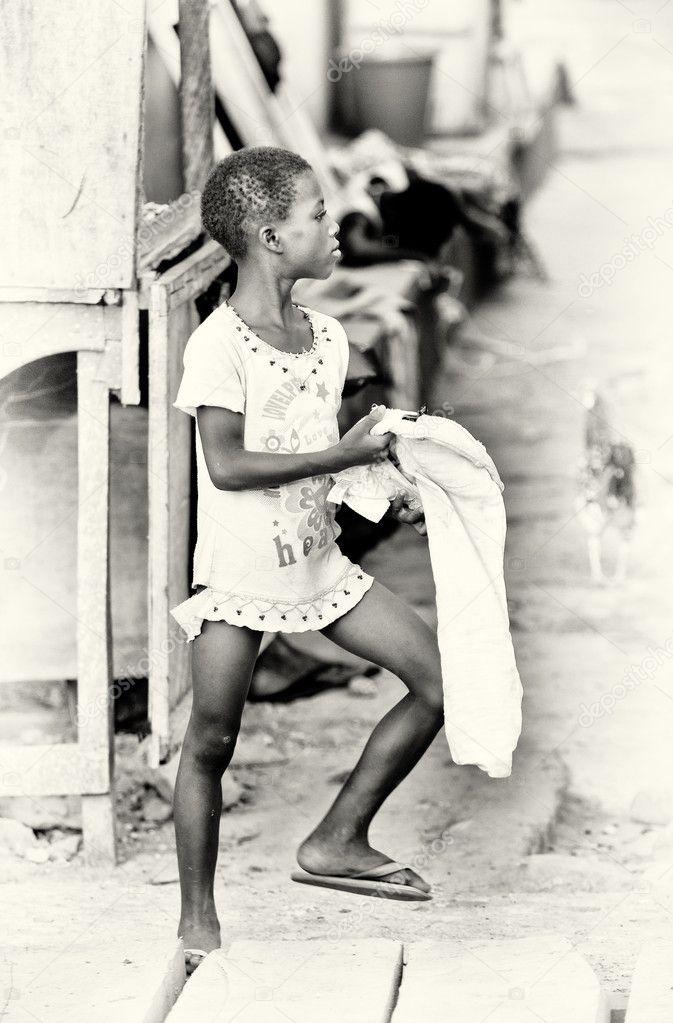 Einzelne Mädchen in Ghana