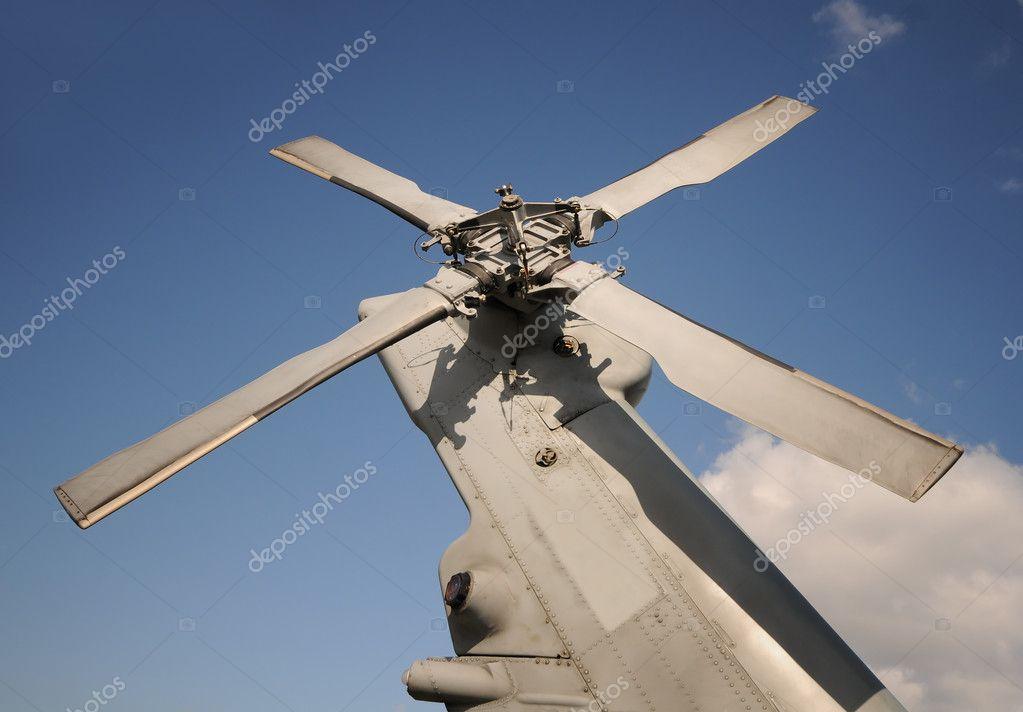 Elicottero Militare Doppia Elica : Coda elicottero militare — foto stock icholakov
