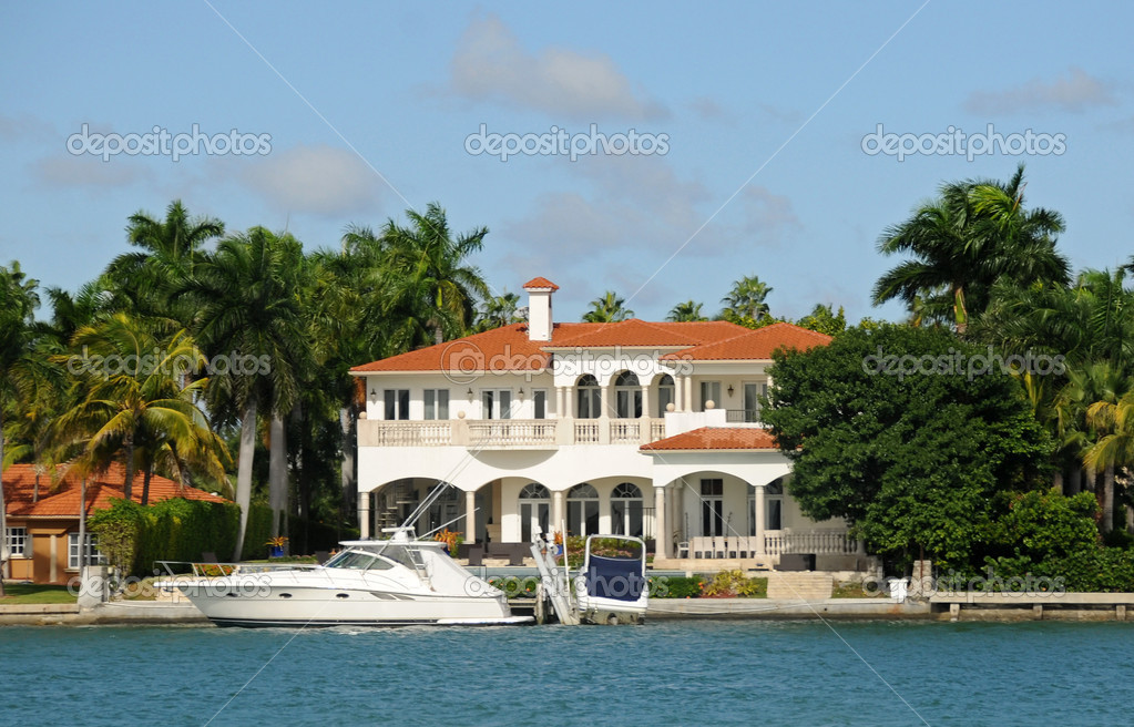 Luxury waterfront house