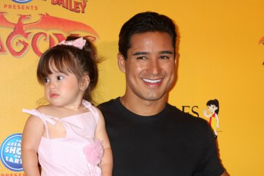 Mario Lopez and daughter