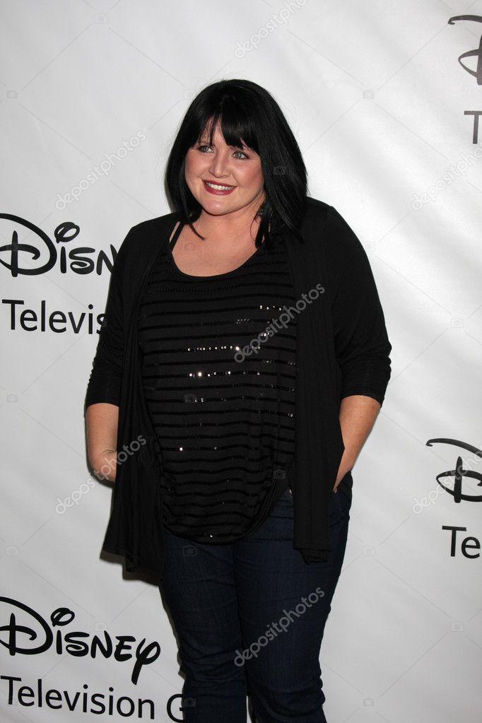 Tina Yothers erika eleniak