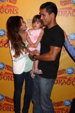 Courtney Mazza, Mario Lopez and their daughter