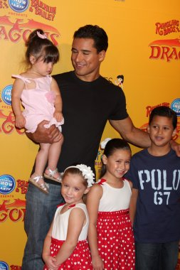 Mario Lopez and daughter (in his arms), and his neices and nephew