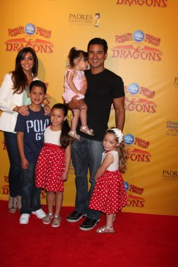 Courtney Mazza, Mario Lopez and daughter (in his arms), and his neices and nephew