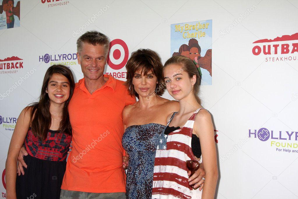 Harry Hamlin, Lisa Rinna, daughters – Stock Editorial Photo