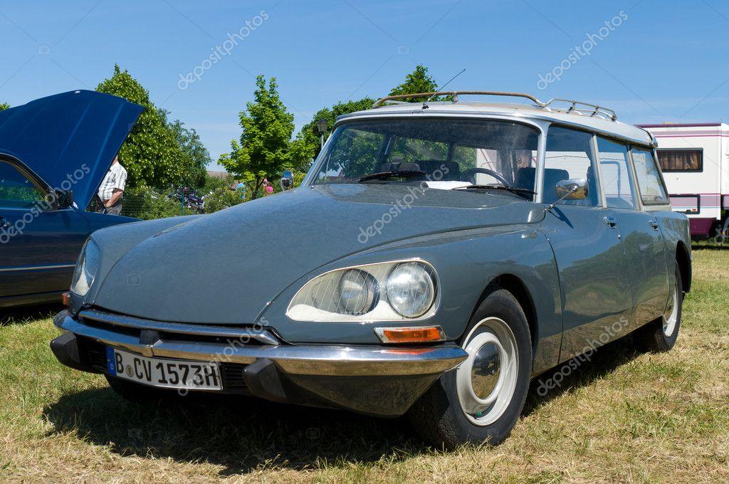 PAAREN IM GLIEN, GERMANY - MAY 26: Automobiles Citroen DS, 1973,