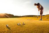 mužské golfové hráče
