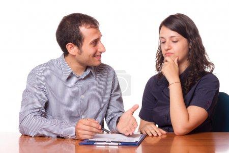Foto de Consultor financiero y el cliente firma - Imagen libre de derechos