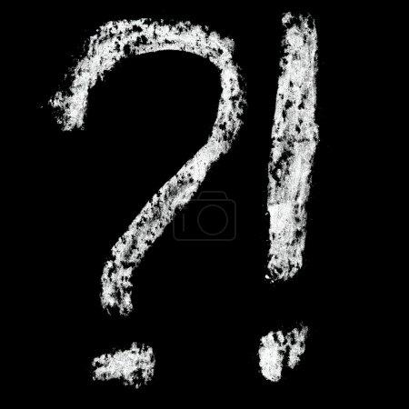 Photo pour Marques - alphabet craie sur fond noir - image libre de droit