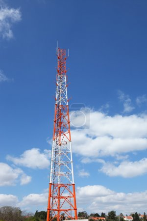 Aerial metallic mast