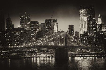 Photo pour Manhattan, new york city - noir et blanc vue de hauts gratte-ciels, u.s.a. - image libre de droit