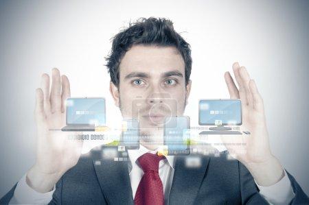 Photo pour Homme d'affaires et cloud compute concept - image libre de droit