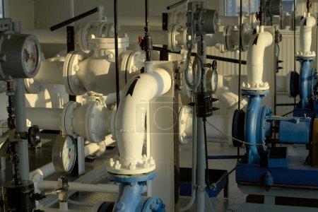 Photo pour Condensat de gaz pompé. vue d'ensemble de la pompe - image libre de droit