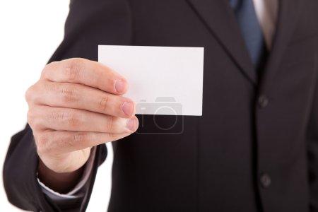Foto de Joven empresario ofrece tarjetas de felicitación - Imagen libre de derechos
