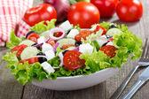 Salát s čerstvou zeleninou