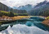 """Постер, картина, фотообои """"Озеро Galbenu в Румынии"""""""