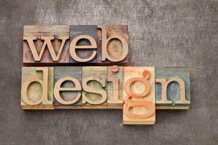 Photo pour Web design - texte en blocs d'impression de typographie vintage contre une tôle grunge - image libre de droit