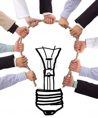 Photo pour Ampoule en corde avec les mains - image libre de droit