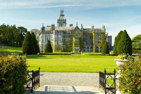 Photo pour Adare manoir et jardins, Co. Limerick, Irlande - image libre de droit