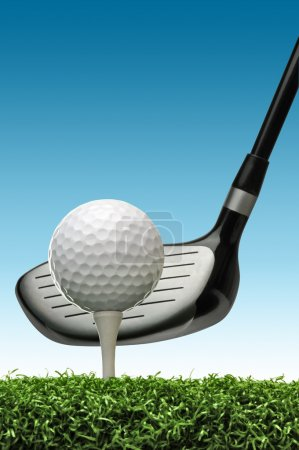 Photo pour Balle de golf sur le point d'être frappé avec un club de golf - image libre de droit