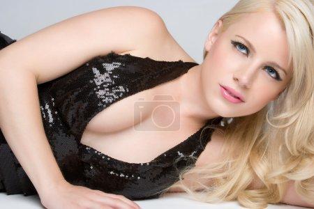 Photo pour Modèle de mode blonde - image libre de droit