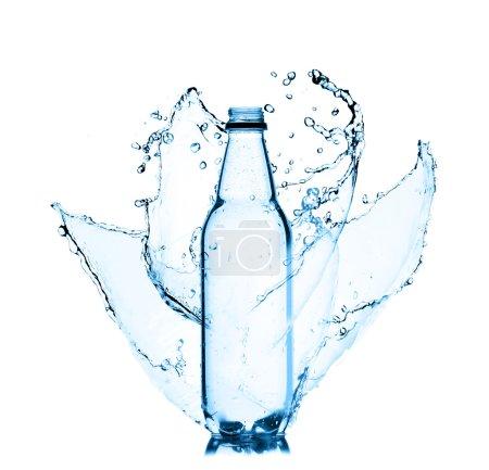 projection de la bouteille de l'eau douce
