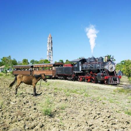 Photo pour Train touristique Valle de Los Ingenios, Manaca Iznaga, Province Sancti Spiritus, Cuba - image libre de droit