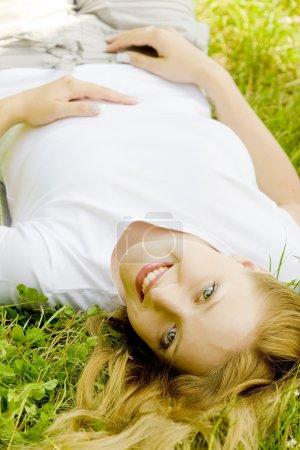 Photo pour Portrait de la menteuse - image libre de droit