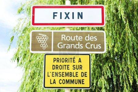 Photo pour Route des vins, Fixin, Bourgogne, France - image libre de droit