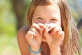 Portrét krásné holčičky venkovní