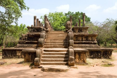 Sri lanka - polonnaruwa - ancienne capitale de Ceylan - auditoire h