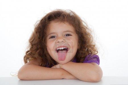Photo pour Pouce-collant enfant espiègle sur. - image libre de droit