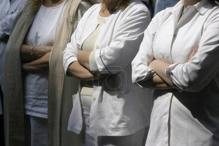Photo pour Gros plan des mains des médecins - image libre de droit