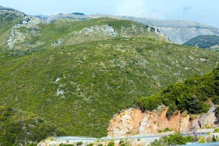 Photo pour Vue du col estival de Llogara avec route serpentine (Albanie ) - image libre de droit